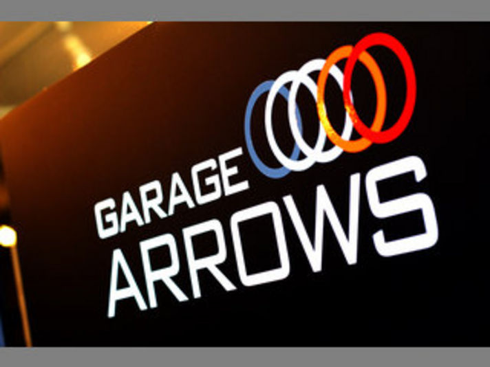 GARAGE ARROWS